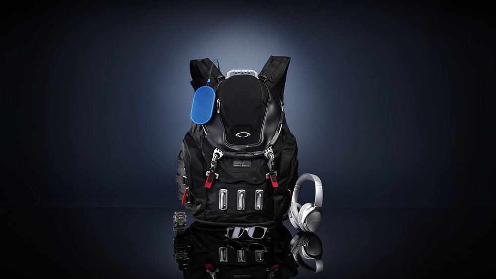 Geoff_Cardin_Oakley_highteckbackpack.jpg