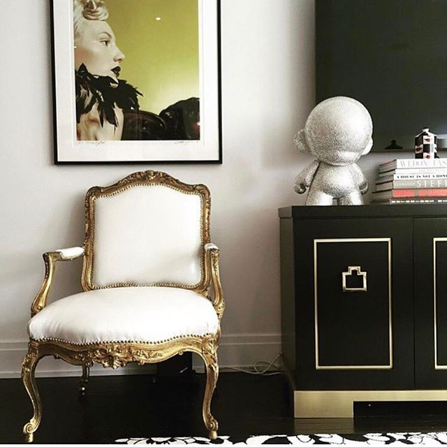 Black Ash and Brass Credenza designed by @michellegersoninteriors  #michellegersoninteriors  #mgid #homedecor  #homedesign  #decor  #design  #style  #interiors #interiordesign  #interiorstyle  #bespoke #bespokefurniture #furnituredesign