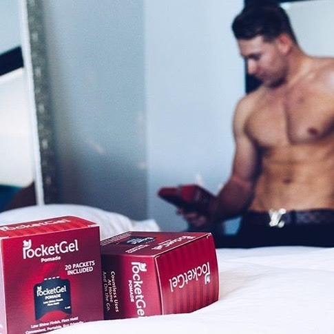 Even @brandencondy loves PocketGel! Message us for a free box of any style you want. • • • • • #workout #gym #hairstyles #travel #businesstrip