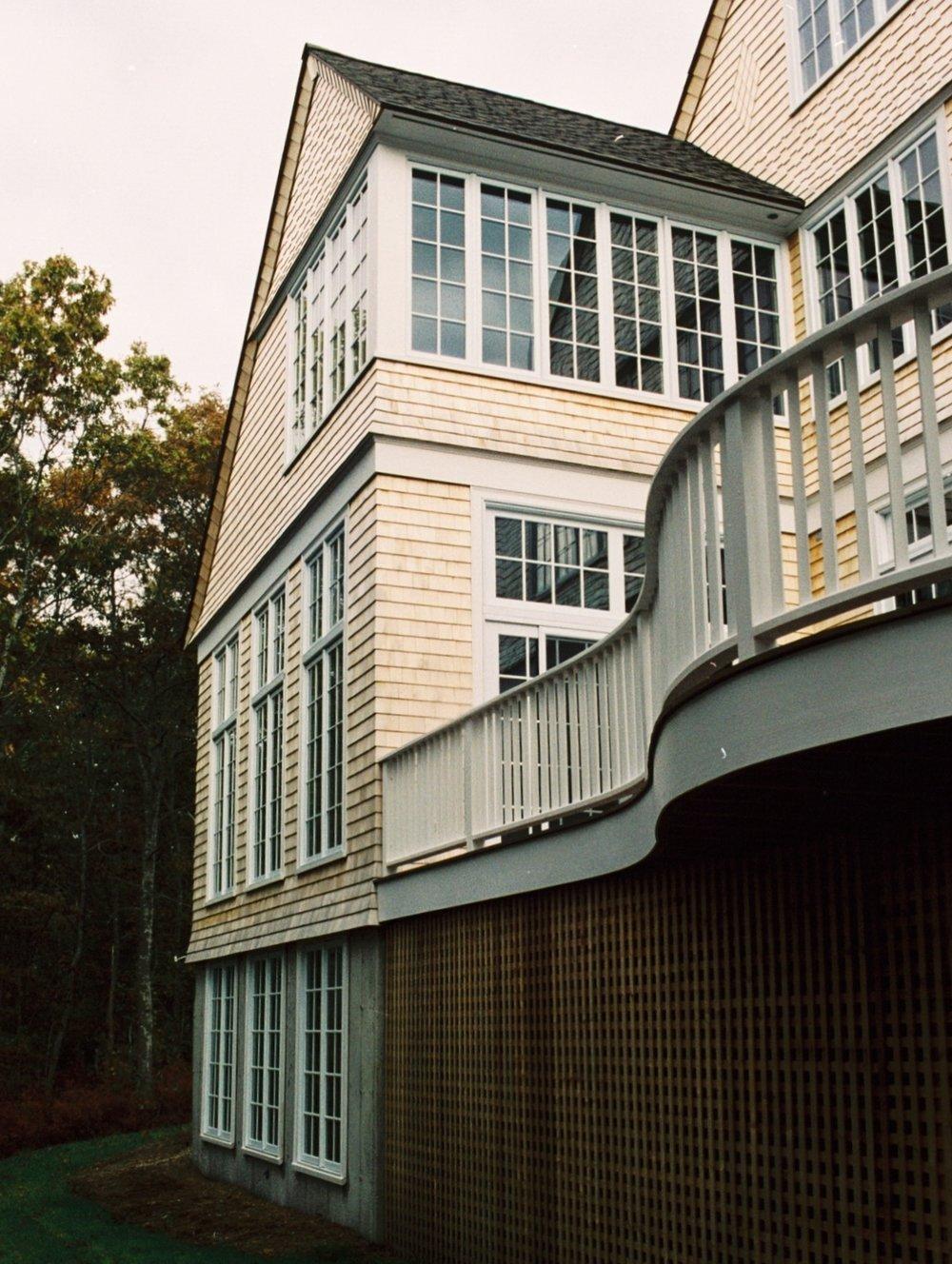 Robertson-Deck.jpg