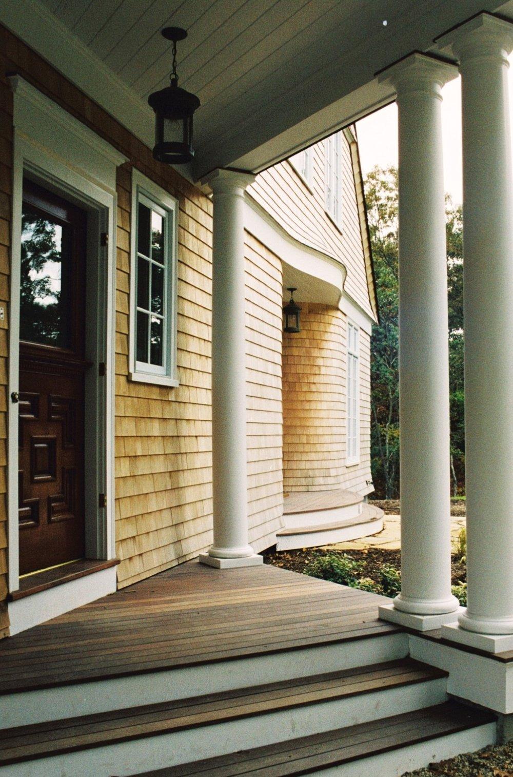 Robertson-Porch.jpg