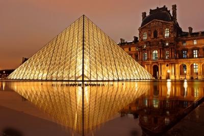 Pyramide-Licht-Energie