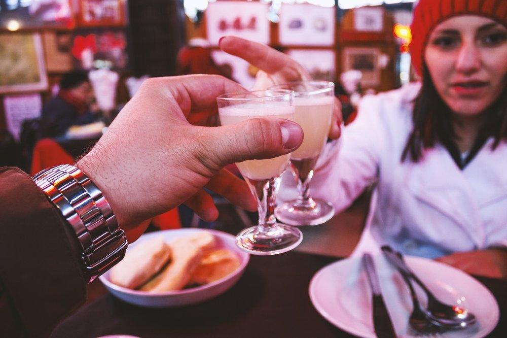 Date in einer Bar
