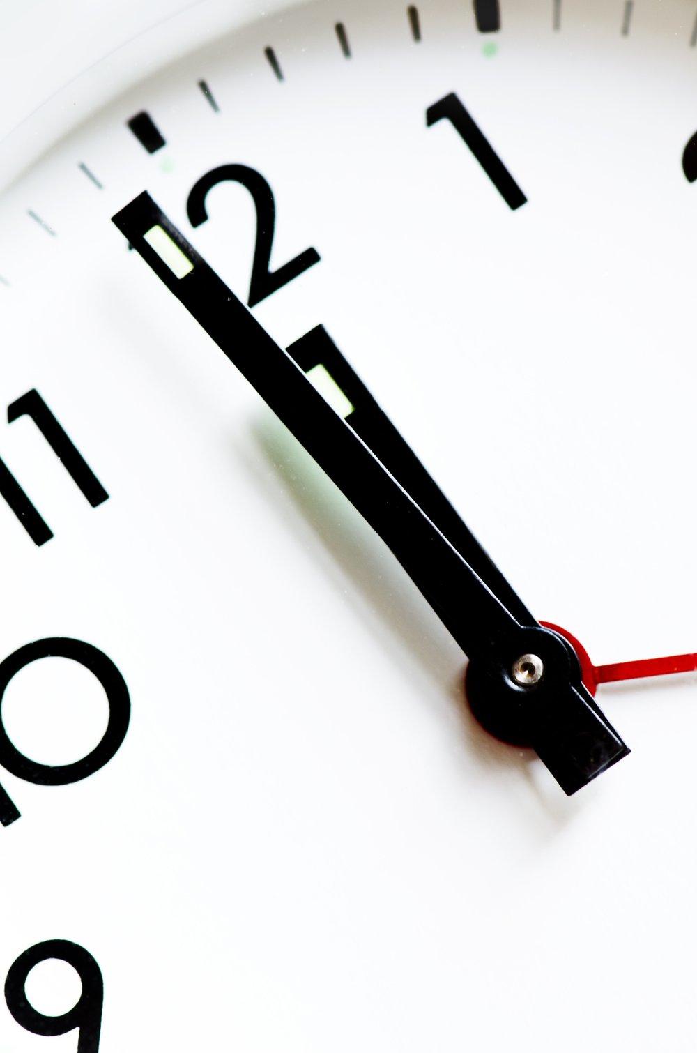 accuracy-afternoon-alarm-clock-280277.jpg