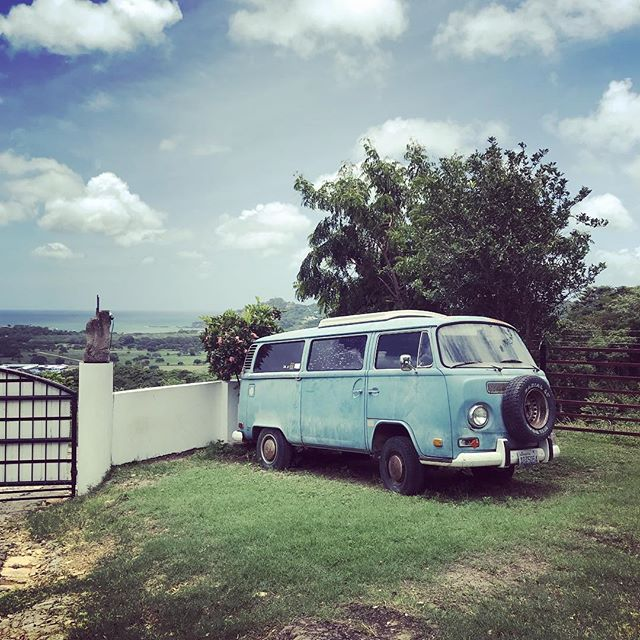 The iconic VW ✌️ #nakedtigerhostel #tigershavemorefun #kombi #vw #sanjuandelsur #vanlife #instavan #homeiswheretheheartis #partyhostel #hostellife #explorenicaragua #backpacker