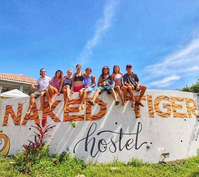 Where friends become family🐯  #backpacker #nakedtigerhostel #nakedtigerforever #hostellife #travelcentralamerica #backpacking #surfhostel #productivepartying #nicaragua #explorenicaragua #sanjuandelsur #tigershavemorefun