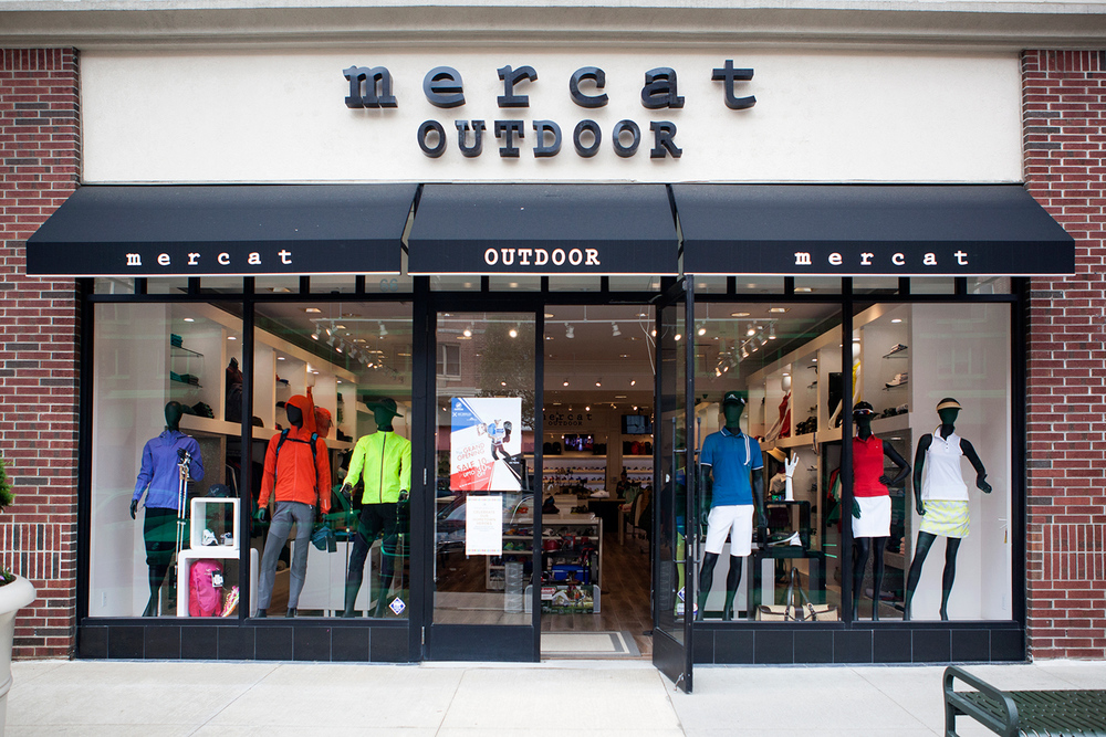 Mercat Outdoor is located right across the street from Mercat