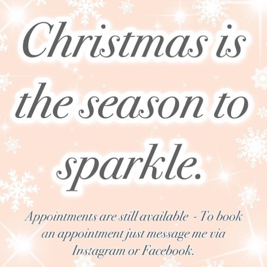 I have a few openings still for this month💁🏼‍♀️🎅🏼💁🏻‍♀️ book now while you can!!! #color #haircolor #haircut #holidayhair