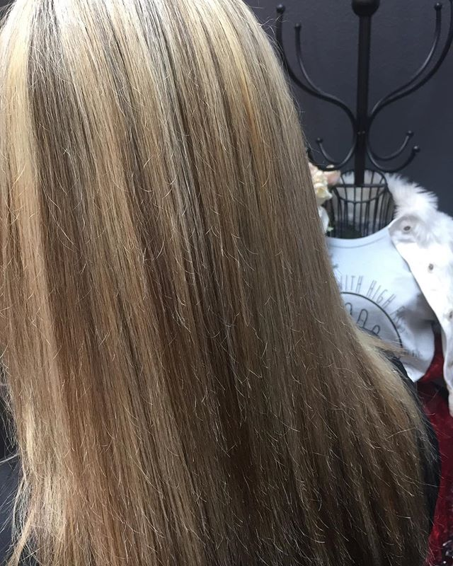 Dimensional blonde♥️💁🏼‍♀️ thanks for coming and hanging out with me today @veganyogigolfer #loveyourhair #blondehair #dimensionalblonde #springvalley #salonlife #color