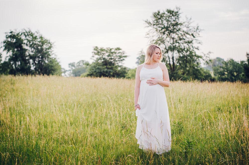 Sara_Maternity-1.jpg