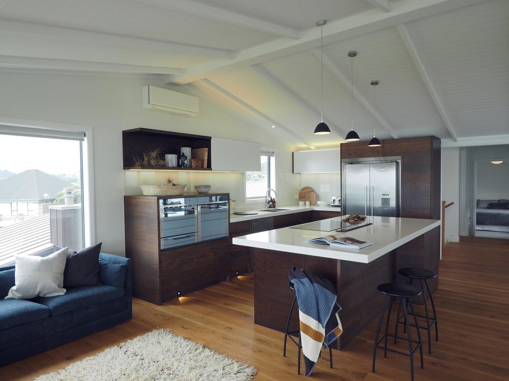 Sonya Cotter Interior Design - Beach Kitchen House Design