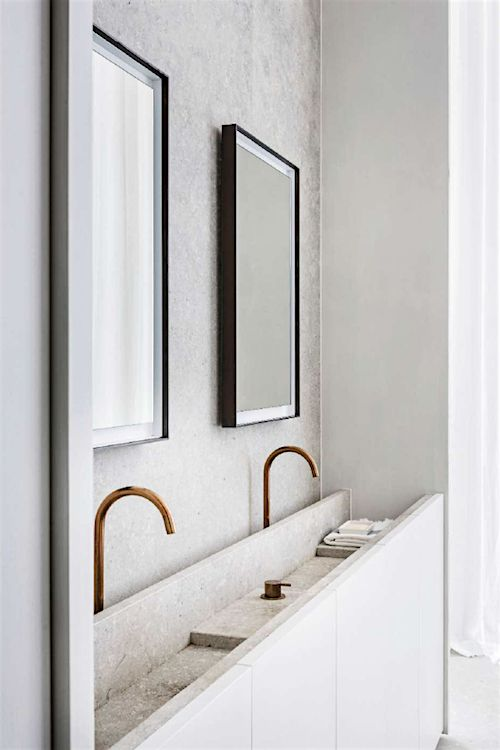 Bathroom by Hans Verstuyft Architects