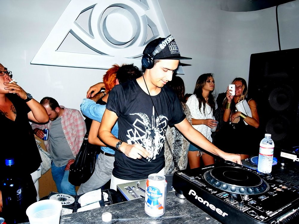 Fun times, with a little Jason Hong side cameo in this photo... classic 2011 LA party vibes lol