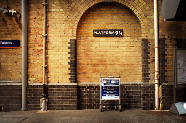 harry_potter_kings_cross_platform.jpg