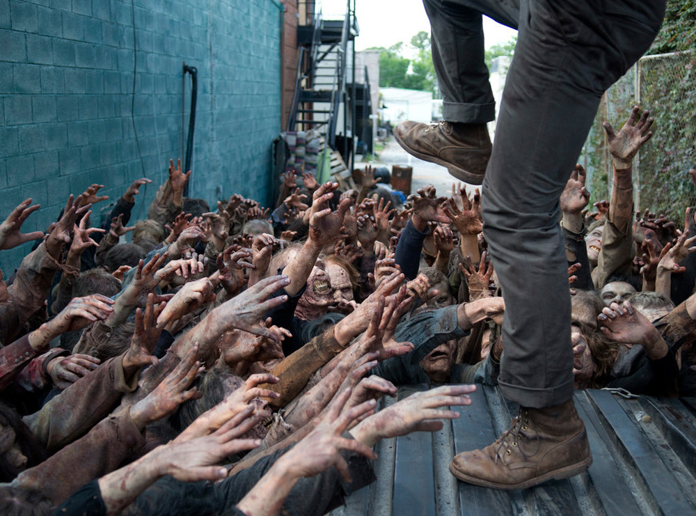 rs_1024x759-151026082930-1024.the-walking-dead-thank-you-glenn-3.ch.102615.jpg