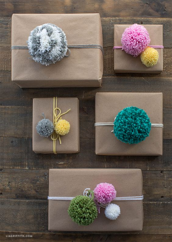 credit: https://liagriffith.com/easy-yarn-pom-poms/