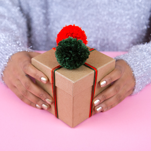 gift-600.jpg