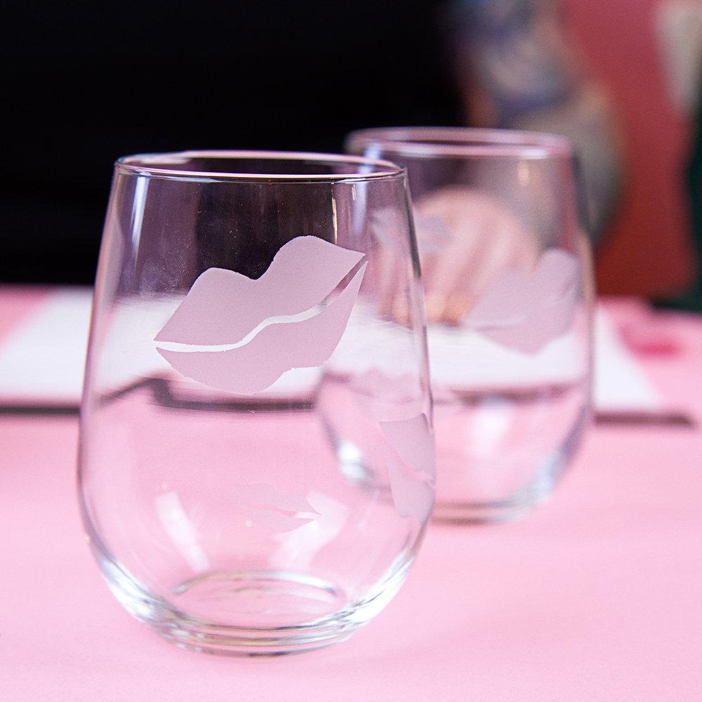 lips-glasses.jpg