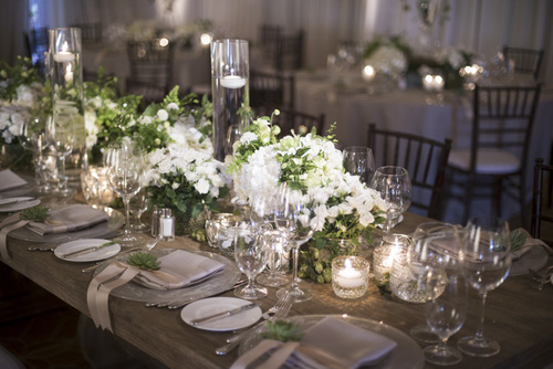 Resort at pelican hill wedding eddie zaratsian lifestyle design white green and neutral wedding reception tabletop and centerpieces at the resort at pelican hill junglespirit Images