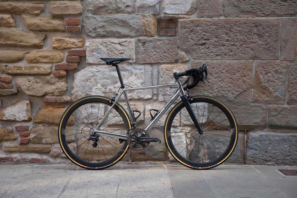 SB03-17044-Full-Bike-Main.jpg