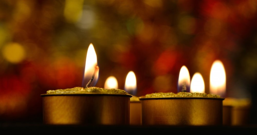 Holiday-Candles-1024x541.jpg