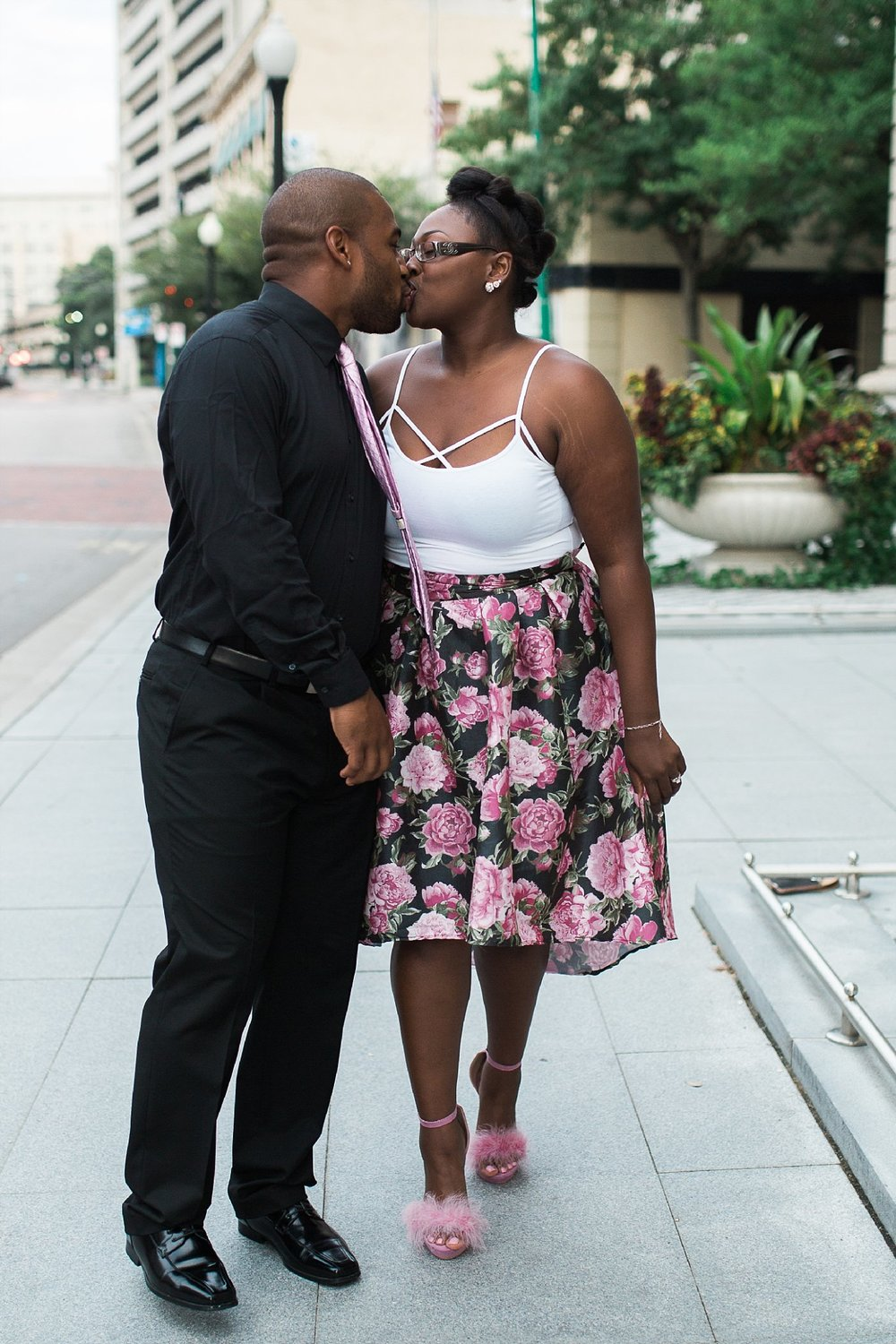 downtown-norfolk-engagment-session