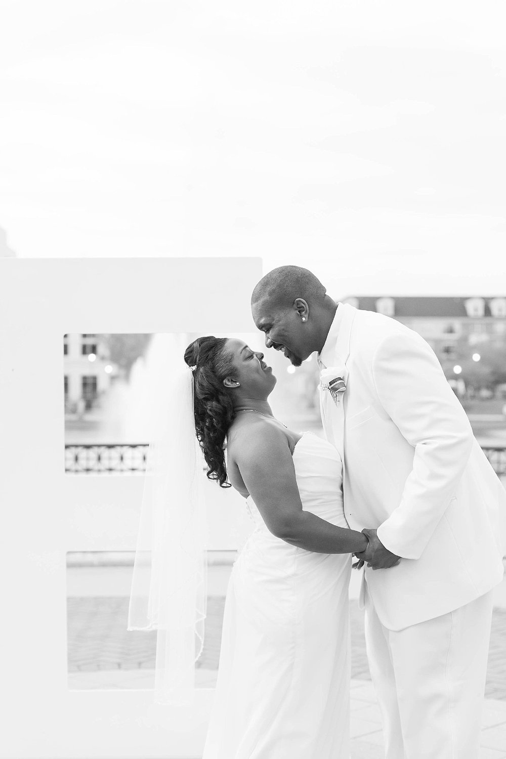marriott_newport_news_city_center_wedding_photographer