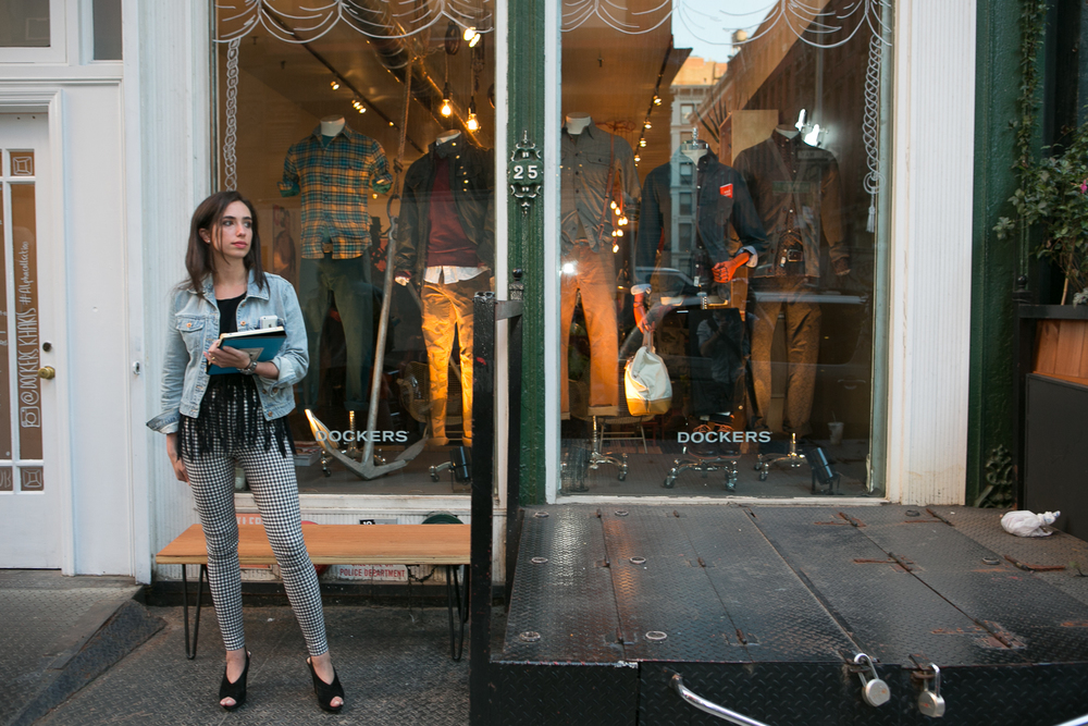 Dockers Fall Pop-Up    This month-long pop-up store in SoHo brings cachet to Dockers within fashion circles and highlights special-edition khakis. Housing a Blind Barber satellite shop and weekly events like cocktail parties, tattoo parlor nights and food truck rallies, this versatile space includes a custom cash-wrap and coffee bar.    Agency partner: MKG