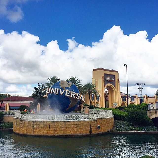 Always something fun to do at Universal Orlando! #universalorlando #universalstudios #orlando #theorlandotravelguide #amusementpark #family #fun #thingstodo