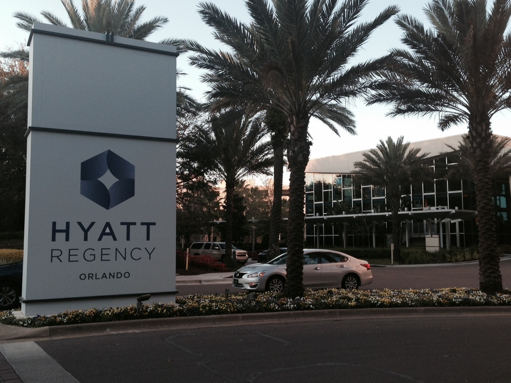 Hyatt-Regency-Front-Sign.jpg