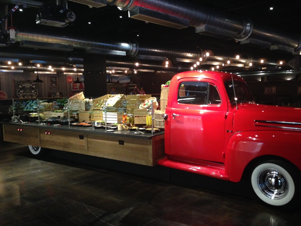 Flatbed-Buffet-at-AmericanQ.jpg