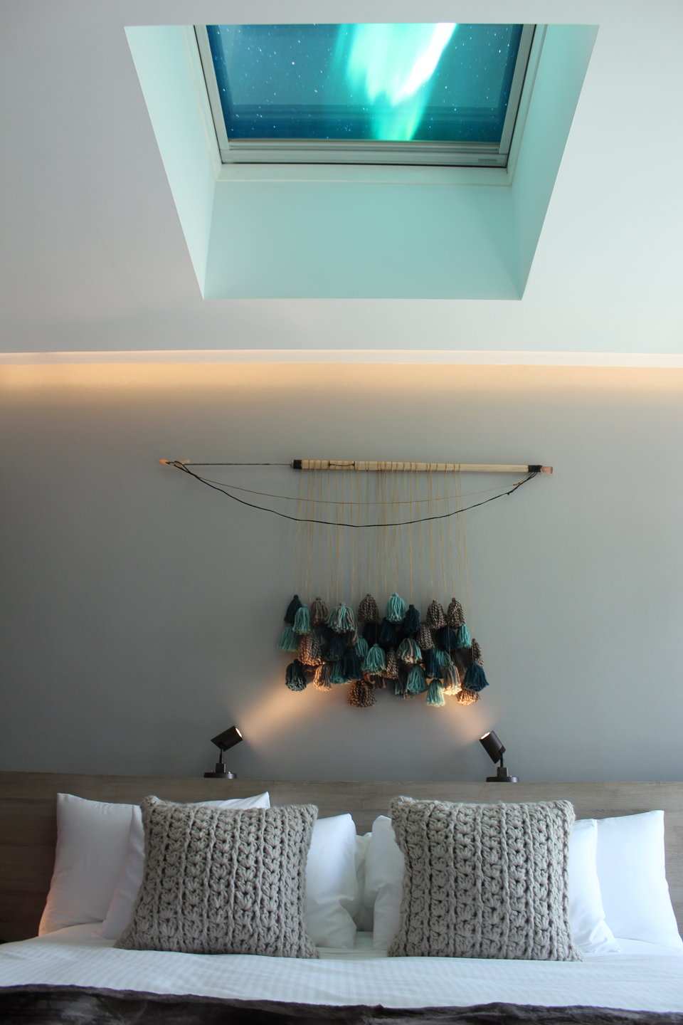 Nomodic-Northern-Lodge-Bedroom-Skylight.JPG