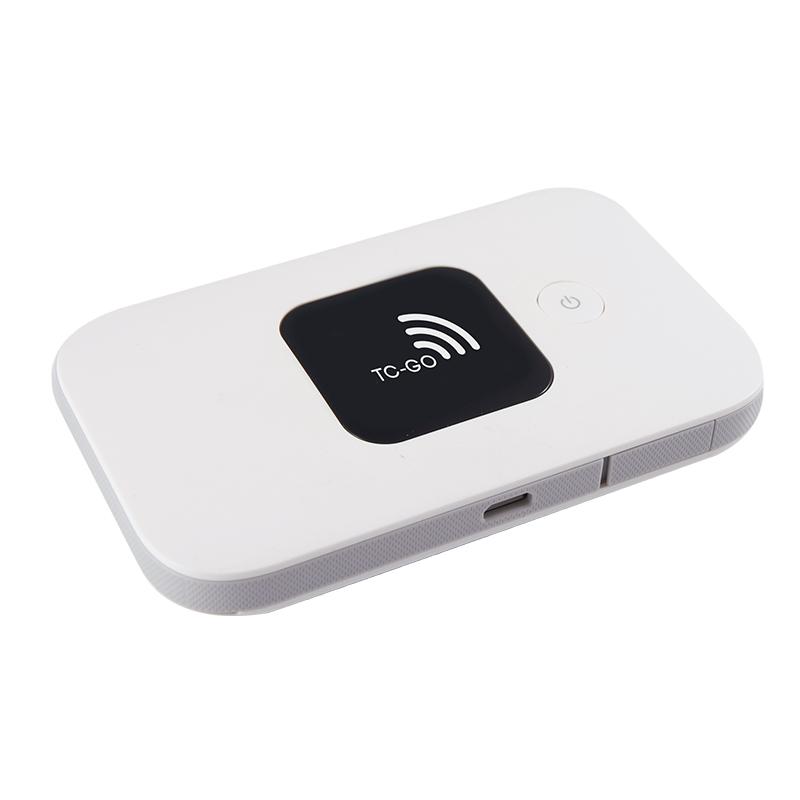 TC-GO.DKs mobile router. 6 timers batteritid gør det muligt at have den med i lommen. 899 kr. + 45 kr. fragt(router+datakort)