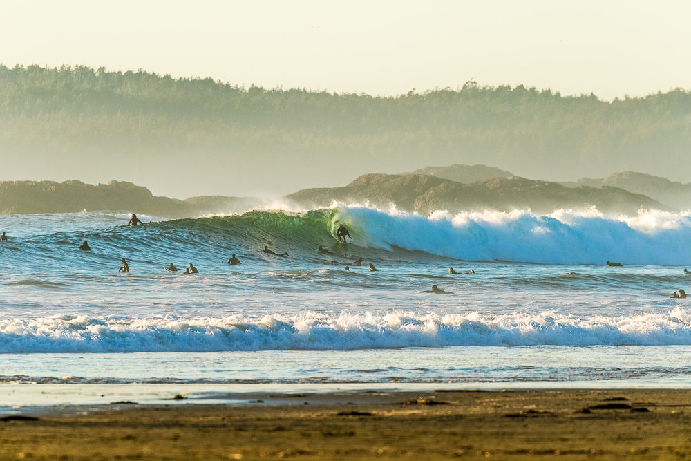 tofino_surf_photography_big_waves_big_crowds_canada_Vancouver_Isand_2018.jpg