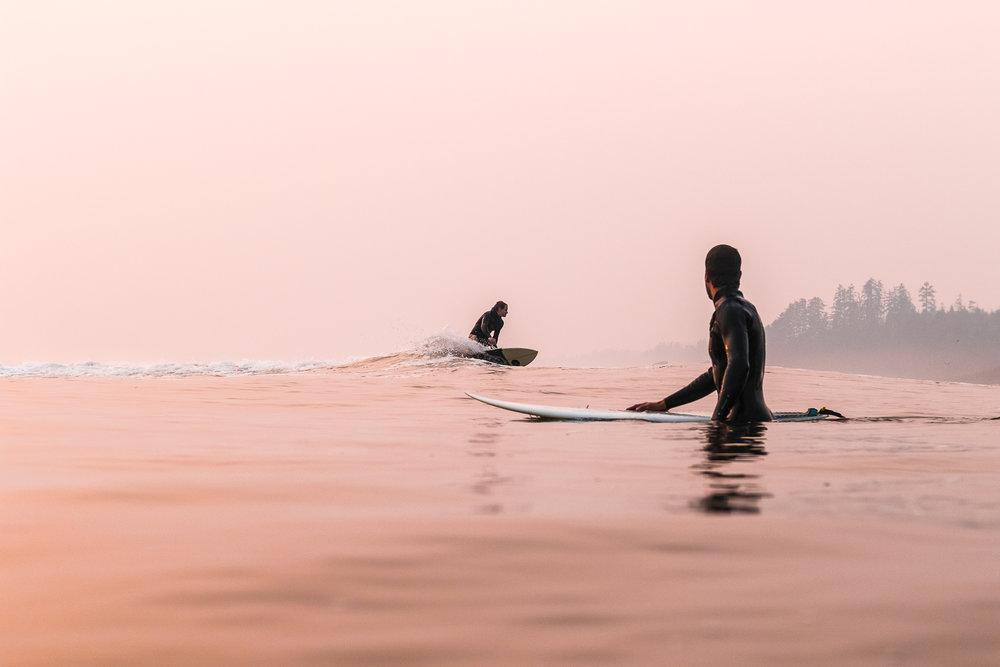 tofino_surf_photography_last_light_elliott_moore_simon_bauer_canada_Vancouver_Isand_2018.jpg