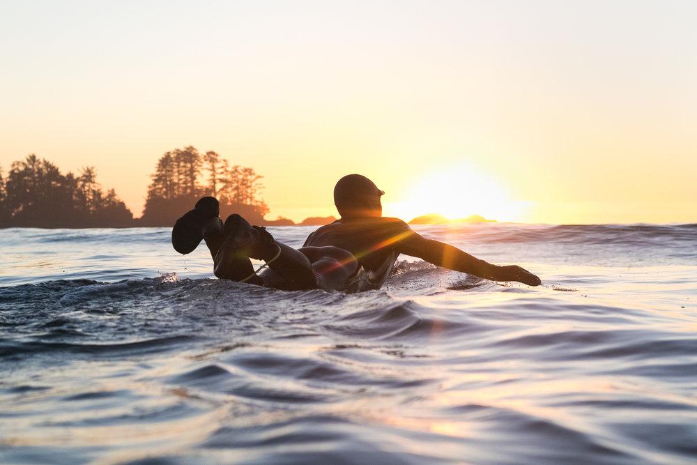 tofino_surf_photography-Darren_lundquist_longboard_sunset.jpg