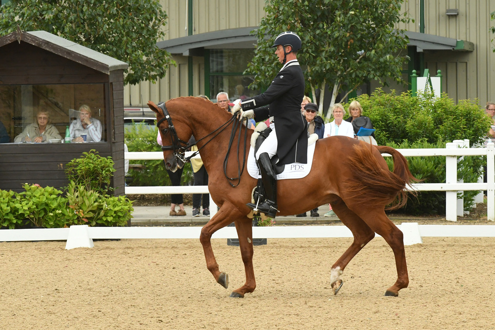 Carl Hester wins the Lemieux Grand Prix with Wanadoo