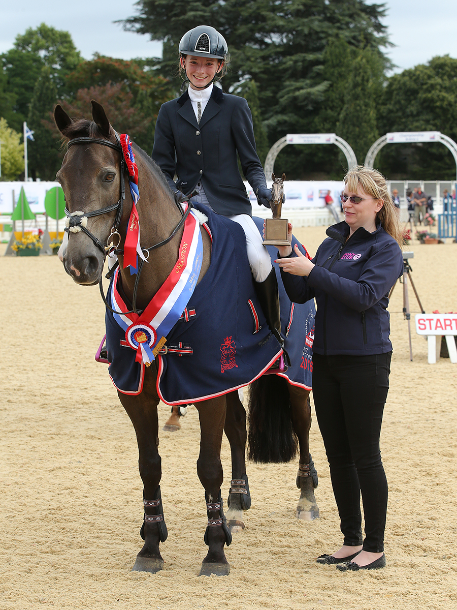 Eloise Smit thrilled to win the Pony Restricted 1.10m Championship Final (Credit: 1st Class Images)