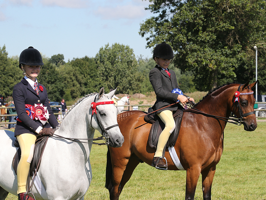 Childrens Riding Pony Zara Brookes' ponies, Milton Pageboy and Chanlee Delightful Dan (Credit: First Class Images)