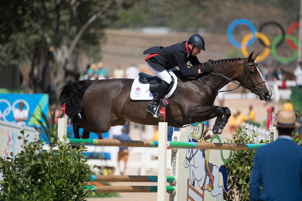 John Whitaker rides the only clear for Team GB aboard Ornellaia (Credit: BEF/Jon Stroud Media)
