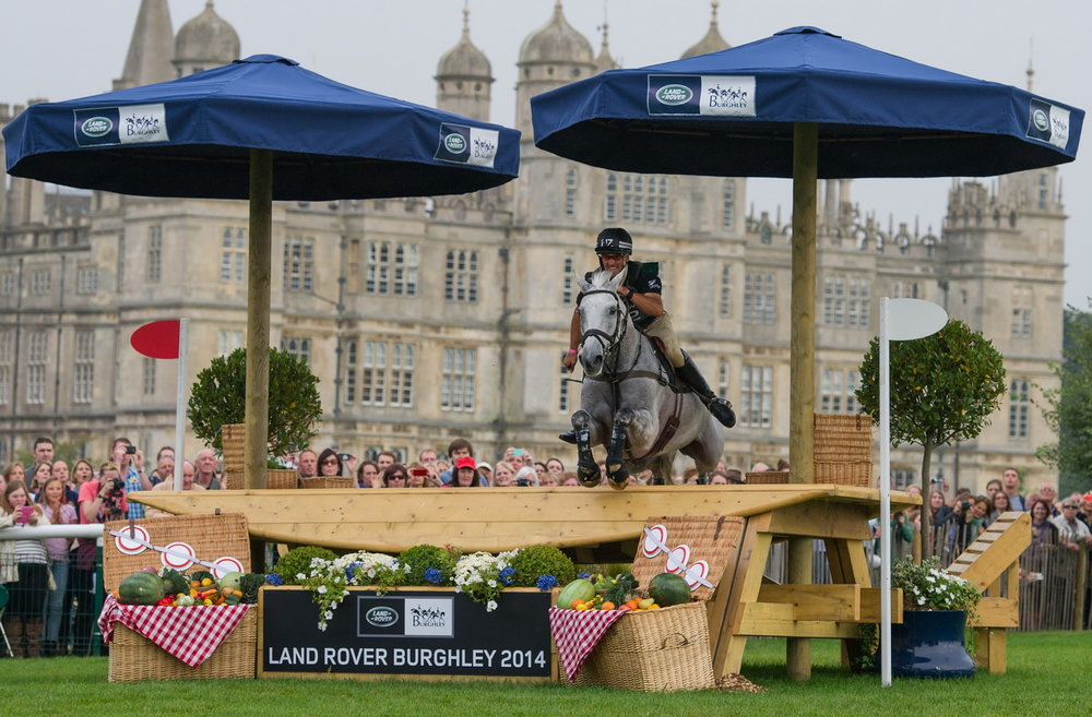 Andrew Nicholson (NZ) who will be aiming for a sixth win at this weekend's Land Rover Burghley Horse Trials, final leg of the FEI Classics™ 2015/2016, pictured here on his 2014 Burghley-winning ride, Avebury (Trevor Holt/FEI)