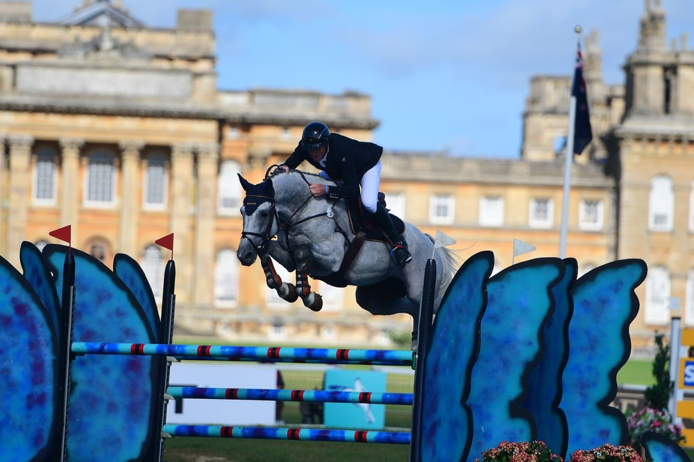 Thomas Carlile and Upsilon enroute to winning the final leg of the 2016 Event Rider Masters at the Blenheim Palace International Horse Trials (Credit: Eventridermasters.tv)