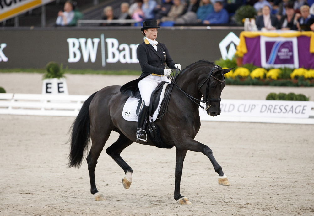 The world no. 1 partnership of Isabell Werth and Weihegold led a host-nation whitewash at the third leg of the FEI World Cup™ Dressage 2016/2017 Western European League in Stuttgart, Germany today. (Credit: Stefan Lafrentz/FEI)