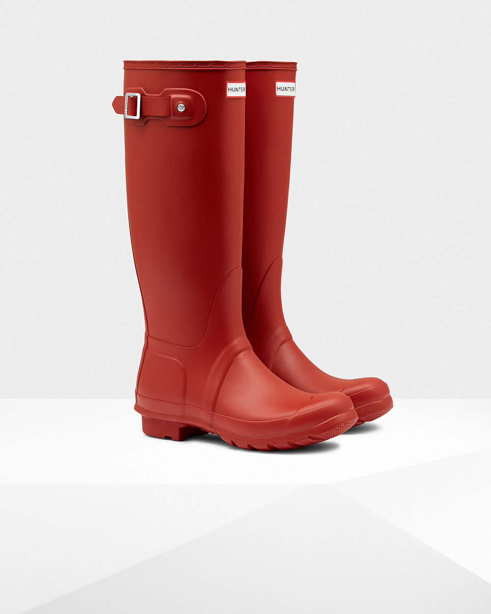 Available in a great choice of colours the Original tall wellington boot is as popular as ever