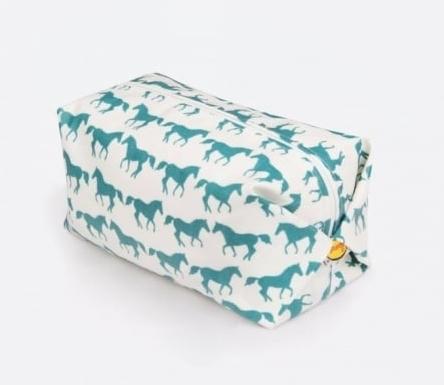 Anorak Kissing Horses toiletry bag