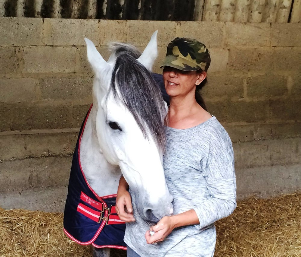 aolicitor laura wells with horse.jpg
