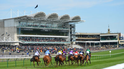 Watch some of the best flat racing at the QIPCO Guineas Fesstival