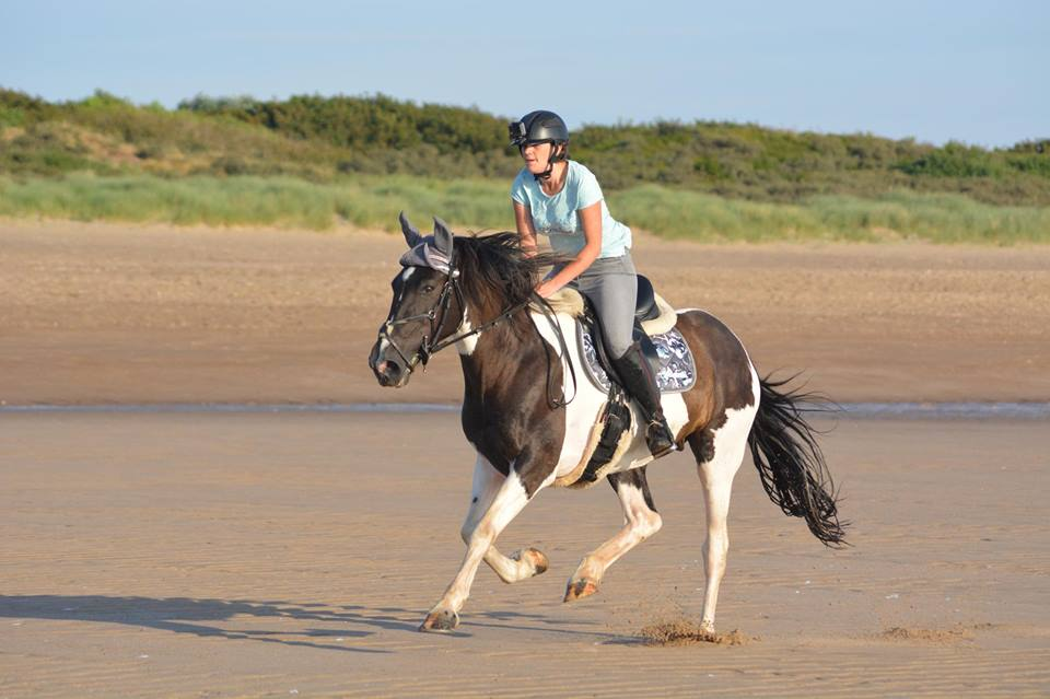 Danielle Rowles' beach ride wasn't all plain sailing!