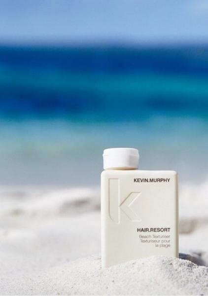 HAIR RESORT, KEVIN MURPHY - Ideal para conseguir unas ondas wavy, realza y da volumen protegiendo el cabello y s epuede aplicar con el cabello seco o húmedo. Su olor a mandarina y miel, conquista.