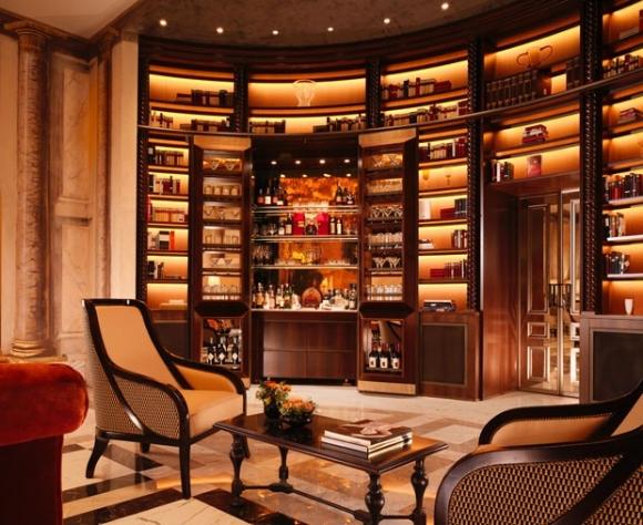 dorchester_collection_hotel_eden_secret_bar_at_la_libreria_open_doors.jpg